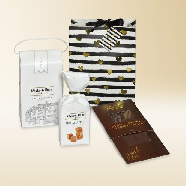 Gold hearts gift bag large 580g