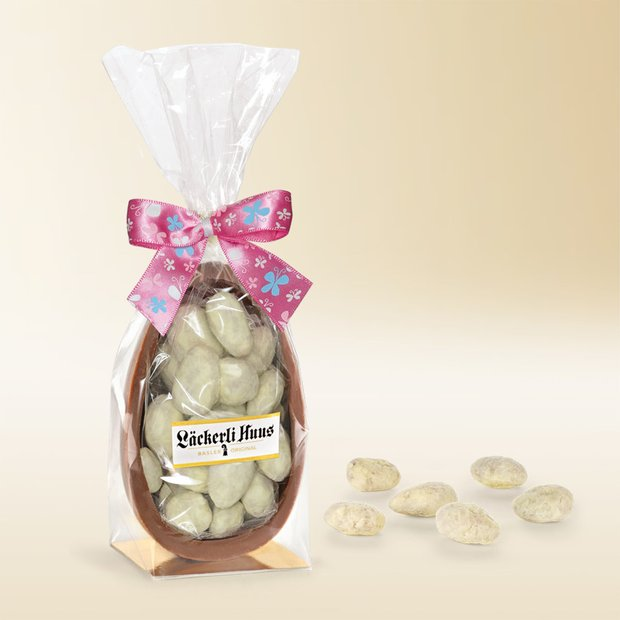 Milk chocolate Easter egg with white almond pralinés, 180g